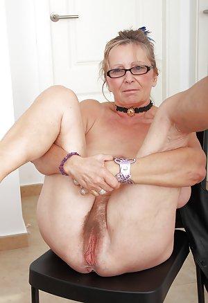 Adele mature saggy tits 10